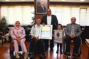 Engelli Kursiyerlerden Başkan Hasan Can'a Ziyaret