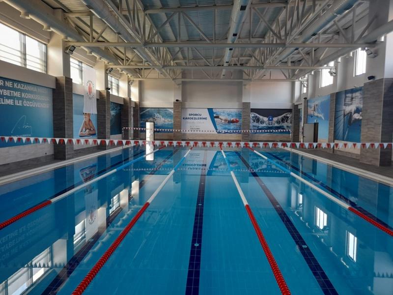 Akademi Ümraniye Beytullah Eroğlu Yüzme Havuzu